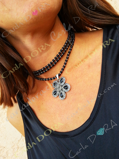 collier fantaisie ras de cou collier fleur 5 petales strass noir