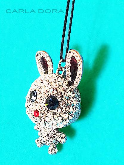 collier pendentif cristal swarovski figurine animal lapin, collier fantaisie pendentif animaux en cristal swarovski