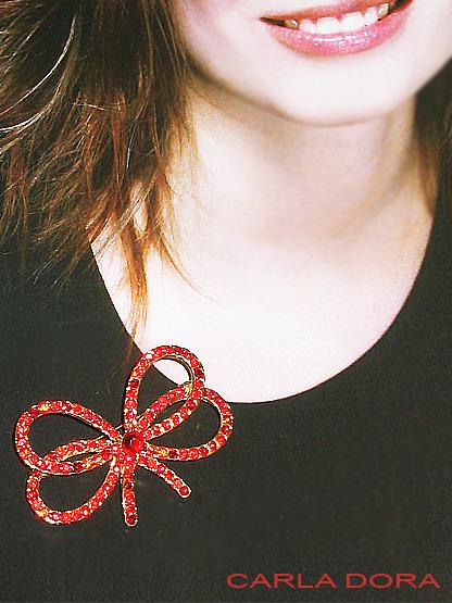 broche noeud papillon strass rouges bijoux fantaisie femme