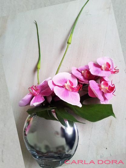 fausse orchidee en pot rose tige et fleur au rendu naturel cadeau liste de mariage