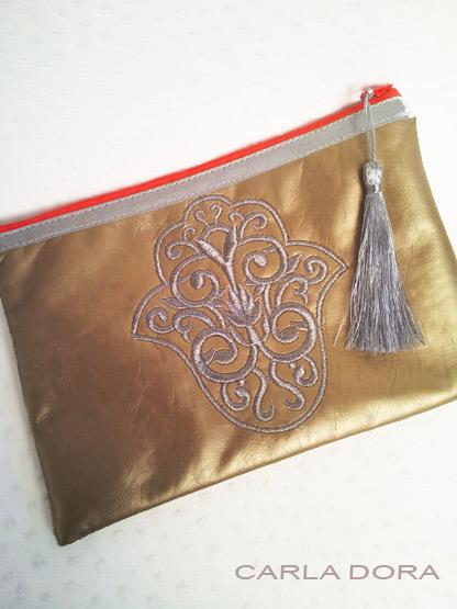 pochette femme mode main fatma simili cuir dore mat brodee argent zip orange fluo petit format, pochette tendance femme