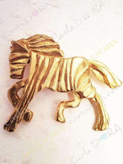broche cheval au galop metal dore bijoux fantaisie femme