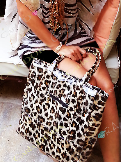 sac shopping cabas leopard - panthere camel et noir vernis, sac shopping glossy et glamour