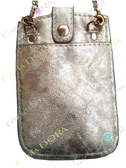 housse pour telephone portable gold clair effet metalise a clous dores