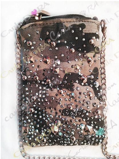 housse telephone mobile strass clous cristal sur tissu militaire bandouliere, housse pour mobile