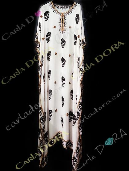 tunique longue tendance tete de mort couleur blanc casse, caftan long tete de mort soiree fashion ibiza saint-tropez