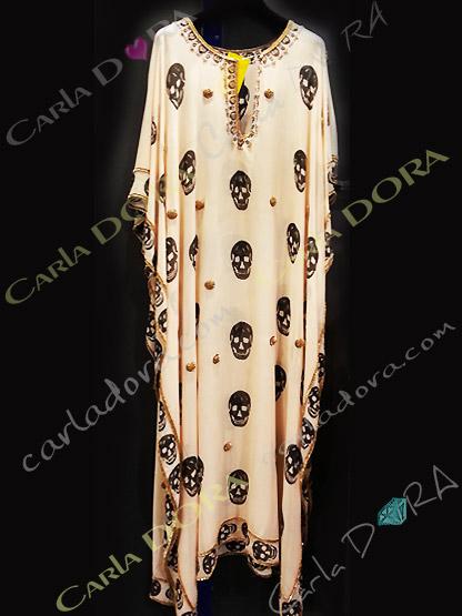 caftan long tendance tete de mort couleur nude, tunique longue tete de mort soiree fashion ibiza saint-tropez