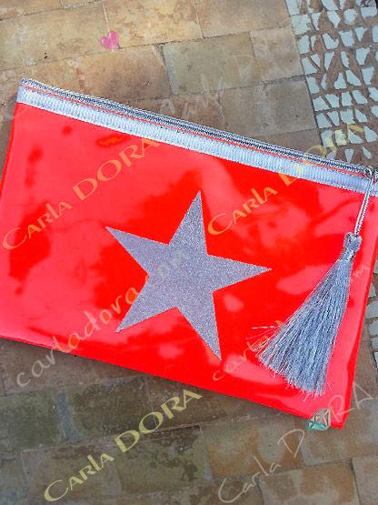 pochette femme vinyl corail fluo etoile argent zip et pompon aegent, pochette tendance femme